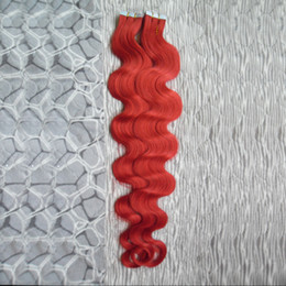 Argentina Cinta roja en el cabello humano Extensiones brasileñas de la cinta del pelo humano de la onda del cuerpo 40 PC Cinta natural de la onda del cuerpo en las extensiones del pelo de la trama de la piel 100g cheap hair weft red color Suministro