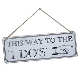 """Decorazioni ricevimenti online-Decorazione da appendere in legno """"This DO To The I Do"""" """"I DO"""" Wedding Cerimonia di ricevimento Decorazione Direzionale Signs Wedding Sign Board"""