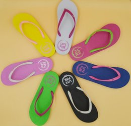 Wholesale Summer Sandal Wholesale - Girls Vs Pink Flip Flops Love Pink Sandals Pink Letter Beach Slippers Shoes Summer Soft Sandalias Beach Slippers Casual Rubber Sandals DHL