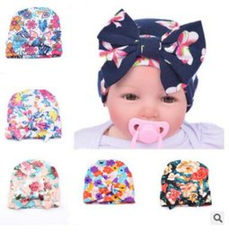 crochet maternity Promo Codes - Baby Hats Kids Big Bow Knit Beanie Floral Caps Newborn Flower Printed Caps Infants Maternity Boutique Accessories European Children Hat J232