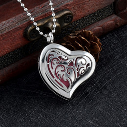 Wholesale Heart Locket Bracelets - IJPD0007 Heart Diffuser Essential Oil Locket Stainless Steel Car Aromatherapy Pendant Necklace Free Pads