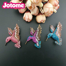 Wholesale Vintage Animal Pins - 50mm Vintage multi color Hummingbird rhinestone gold tone Fuchsia and blue zircan animal brooches and pins