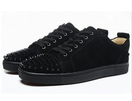Wholesale Male Studs - 2017 Luxury Designer Spikes Flat Casual Shoes Men Low Top Black Studded Studs Rivet Male Casual Shoes