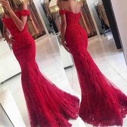 Wholesale Silver Slim Prom Dresses - Chic Scoop Off the Shoulder Red Lace Applique Mermaid Prom Dress with Thin Belt Slim Long Evening Dress Party Formal Dress New Arrival