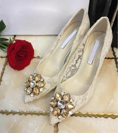 21dd434cf Сексуальная кружева Женщины скольжения по роскошным Rhinestone обувь  Направленный Toe женщин насосы Осень Красочный 6 см Высокие каблуки  Свадебная обувь