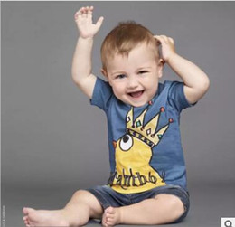 Wholesale Tee Shirt 12 - Father and Son Matching Tshirt 2017 Summer Cartoon Tops Cotton Tee Crown Chook Printed T shirts Father and Son Clothes Family Clothing 147