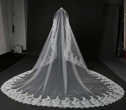Wholesale Embroidered Edge Veil - Lace Edge 4 Meters Long White Bridal Appliques Veils High Quality In Stock Bridal Wedding Veils 2017 New Collections Designer Veils