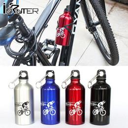 jaula de botella de carbono verde Rebajas Nueva bicicleta exterior portátil para ciclismo Bicicleta 500 ML Bebida deportiva Botella de agua 4 colores Equipo de ciclismo duradero Aleación de aluminio Botellas de agua