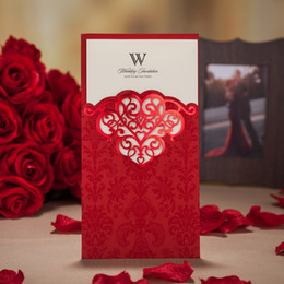 Wholesale wedding invitation personalized - Wholesale- Personalized Well-Quality Handwork Wedding Invitation Cards Laser Cut Cards with Envelope in Gold Red and Purple, 50 Pcs  Lot