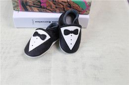 Wholesale Bow Tie Styles For Girls - Baby Girl and Baby Boy Walking Shoes Print Gentleman Dress Bow Tie Cartoon Style Baby Fist Walkers For Learning Cotton Soft Soled Shoes