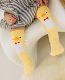 2019 12 monos Calcetines para niños niñas bebés pato mono pingüino calcetines niños todos coinciden Altos de rodilla niños moda rodilla alto algodón niños Stocking A0349 rebajas 12 monos