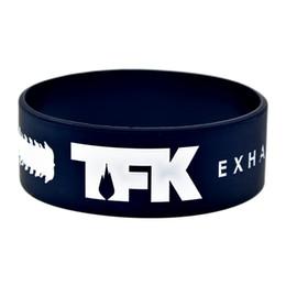 Рок-группа напульсники онлайн-50 шт. / лот 1 дюймов широкий браслет TFK тысяча футов Krutch Rock Band силиконовый браслет идеальный подарок для любителей музыки