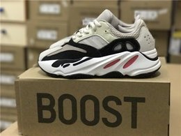Wholesale Mens Shoe Laces Wholesale - Kanye West Wave Runner 700 Boost Cream Running Shoes Mens Women 700 Basketball Shoes Running Sneakers 4 Colors Wholesale