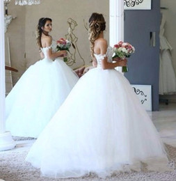 Wholesale Big Puffy Sexy Wedding Dresses - 2017 Lace Ball Gown Wedding Dresses Big Puffy Pearls Beading Formal Bridal Gowns Sweetheart Neckline Tulle Arabic Gowns