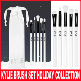 Wholesale White Collection Wholesale - Newest Kylie Brush Set The Limited Edition Holiday Collection 5pcs synthetic brushes for Kyshadow Kylie Cosmetics brush Christmas gift
