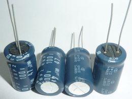 Audio-kondensatoren online-Großhandels-20pcs 47uF 100V Japan ELNA R2B Serie 12,5x20mm 100V47uF RBP2 zweipolige Audio-Kondensator
