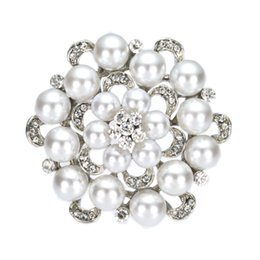 Wholesale Wedding Pearl Brooches Pins - 2 Inch Simulated Pearl and Rhinestone Crystal Diamante Floral Brooch Wedding Party prom Pins Vintage Style