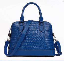 Wholesale female crocodiles - 2017 new Korean fashion trend crocodile pattern female package shell bag handbag shoulder Messenger bag low sale