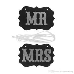Casamentos de decoração de fitas on-line-Frete Grátis DIY Preto Mr Mrs Placa De Papel + Fita Sinal Foto Cabine Adereços Decoração de Casamento Favor de Partido photocall para casamentos