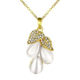 Wholesale Grapes Pendant Necklace - Good A++ grape white crystal 18K gold Necklaces for women,Brand new yellow gold gem pendant Necklaces include chains SGN864
