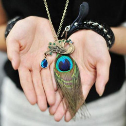 Wholesale Crystal Peacock Pendant Necklace - Retro Beautiful Peacock feathers Pendant necklace Alloy Crystal Peacock sweater Long chain Necklaces Jewelry for Women