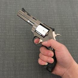 Wholesale Metal Revolver - Large Metal Pistol Colt Viper Revolver Pistol 357 Lighters All Metal Medium Windproof 1: 1 Metal Revolver Type Gun Lighter.