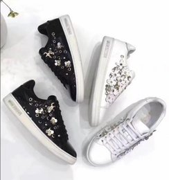 Wholesale black shoes for ladies - 2017 latest winter woman real leather designer flowers lace up white colour sneakers women fashion flats casual shoes for lady spring hot