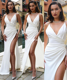2019 bella kleider Weiß Bella Hadid Abend Party Kleider Spaghetti High Split Mantel Satin bodenlangen 2020 Brautjungfer Kleider langes Celebrity Dress günstig bella kleider