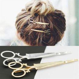 2019 scherenstifte 2 STÜCKE Mode Frauen Chic Schere Form Haarspange Gold / Silber Haar Pin Zubehör # T701. günstig scherenstifte
