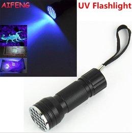 Batterie de scorpion en Ligne-Lampe de poche à ultraviolets ultraviolette 3A à piles avec lampe de poche à DEL noire pour la détection de trésorerie Scorpions
