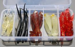 Gusano de goma señuelo online-25 unids Soft Lure Shad Rubber Bionic Pesca con mosca Señuelo Artificial Cebo Wobbler Olor de pescado Gusano Pesca Pesca Caja de aparejos 1606706