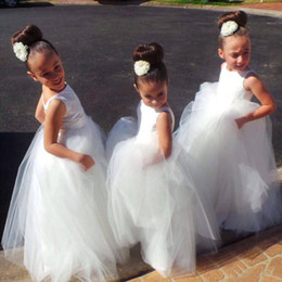 Wholesale Cute Kids Christmas Photos - Long Kids Formal With Lace Flower Girls Dresses 2017 Cute Little White Girls Pageant Girl Bridesmaid Dress Ball Gowns For Party