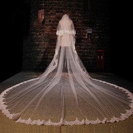 Wholesale Two Tier Lace Cathedral Veil - Luxury Two Tiers 350 CM Wedding Veil Wedding Accessories Bridal Veil Velos De Novia Lace With Comb Veil Ivory Gelin Aksesuarlar