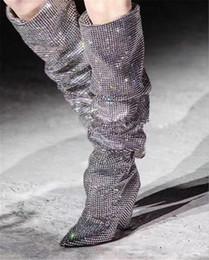 2017 Date Hiver De Luxe Cristal Femmes Pointu Toe Aux Genou Bottes Sexy Chunky À Talons Bottes Slip On Ladies Knight Bottes Strass Bottes Femme ? partir de fabricateur