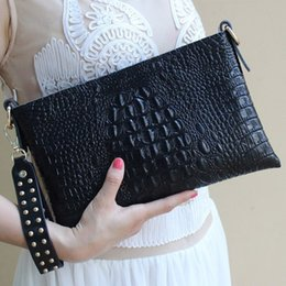Wholesale Envelope Leather - Women bag Bracelet Clutch Envelope Evening Bags for party Fashion Soft Alligator leather With Hardware Shoulder 2017 New arrival 37663