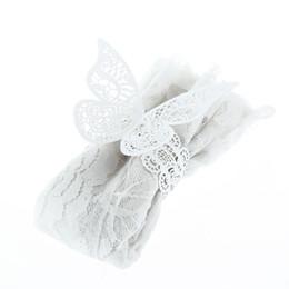 Großhandel 12 stücke Laser Cut Cystal Creme Weiße Schmetterling Serviette Ringe Serviettenhalter Hochzeit Bankett Dinner Party Decor Favor von Fabrikanten