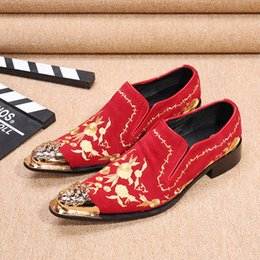 Wholesale Usa Wedding Dresses - New Black Color Velvet Men Handmade Loafers with Floral Embroidery USA Style Fashion Party and Banquet Men's Flats