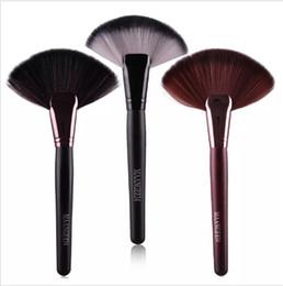 Щетки маажевые для макияжа онлайн-MAANGE Professional 1pc Soft Makeup Large Fan Brush Blush Powder Foundation Make Up Tool Big Fan Cosmetics Brushes
