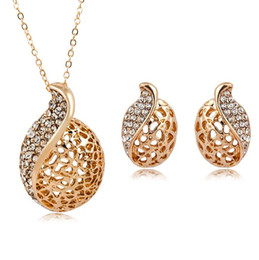 Wholesale Set Earring Neckalce - European Style Gold Plated Hollow Leaf Crystal Earring & Neckalce Set Bridal Wedding Jewelry Set Stud Earrings and Necklaces For Women
