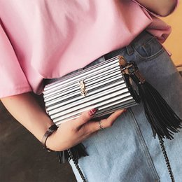Wholesale Silver Purse Clutches - Brand designer 2017 mini women purse acrylic handbag party clutch chain messenger evening bags shoulder bag tassel Totes concave - XX03