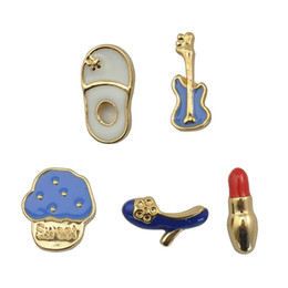 Wholesale Shoe Brooches Clips - Wholesale- 5 pcs set New Lovely Drip Shoes Set Brooch For Women Fashion Slippers Pumps Bag Lipstick Guitar Brooches Cute Shirt Collar Clip