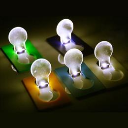 projecteurs utilisés Promotion Lampe de poche à LED Carte Lampe de poche Briquets à lampe de poche Portable Mini lumière Mise en sac à main Taille de la lampe de poche Lumière extérieure portative Tool2503013