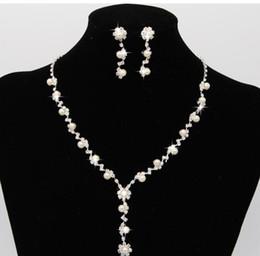 Wholesale Wholesale Diamond Bridal Necklace - Fashion Rhinestone Crystal Pearl Necklaces Earrings set Bridal Wedding Party Jewelry Set Wedding products FREE shipping