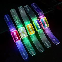 leuchtendes armbandspielzeug Rabatt Leuchtende Spielwaren / beleuchtete Uhr mit Blitzarmband / glückliches buntes Armband / buntes Licht / Babyspielwaren für Kinder / Spielzeug / bestes Geschenk F20171463