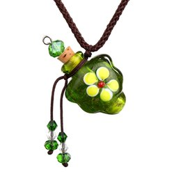 Bouteilles en verre vert bouchon en liège en Ligne-10 pcs Lots De Mode Bijoux En Verre De Murano VERT huile cendres urne bouteille liège pendentif fiole Collier Réglable