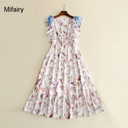 Один рукав бабочка платье