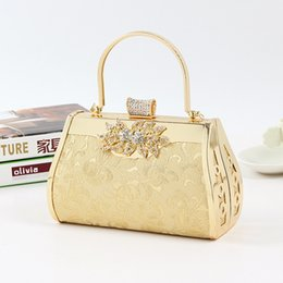 Wholesale Gold Clutch Bride - Wholesale- hot sell models inlay flower diamond handbag wholesale party prom dinner evening bag gold bride wedding clutch bag with handle