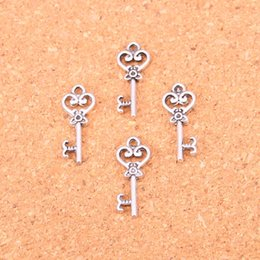 Wholesale Silver Vintage Keys - Wholesale 150pcs Fashion Antique silver vintage skeleton key charms metal pendants for diy jewelry findings 21mm
