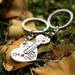 Wholesale Gif Heart - I LOVE YOU Letter Keychain Heart Key Ring Silvery Lovers Love Key Chain Souvenirs Valentine's Day gif ln