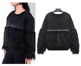 La mode européenne des femmes 2017 nouveau style de rue punk à la main strass patchwork fausse fourrure manches pull sweat à capuche top ? partir de fabricateur